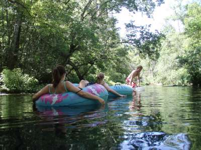 Tubing down the Ichetucknee River